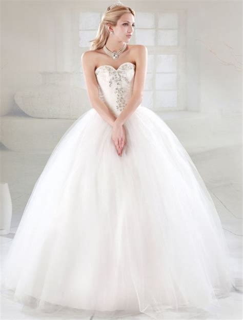 Tulle Sweetheart Neckline Ball Gown Wedding Dress With