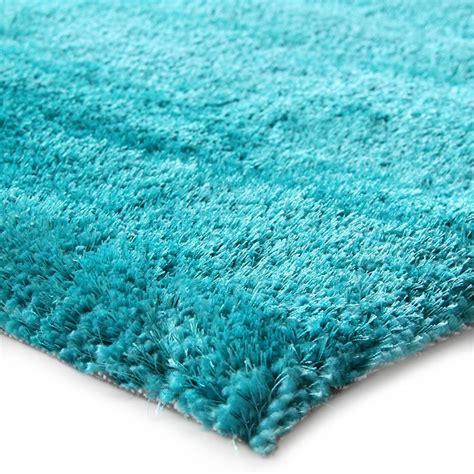 tapis bleu turquoise chambre idees de decoration interieure french decor