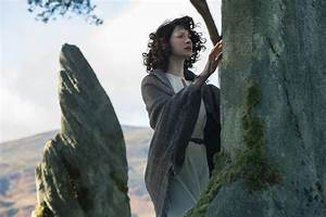 First OUTLANDER Trailer and Images Featuring Caitriona ...