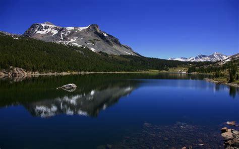 mountain lake    mountains photography