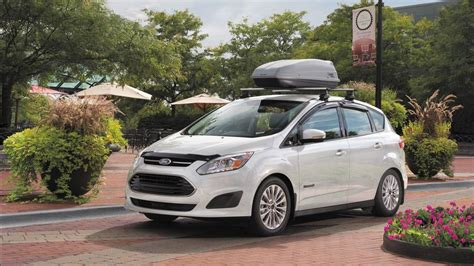 Hybrid Cars Gas by 10 Most Fuel Efficient Hybrid Cars Of 2018