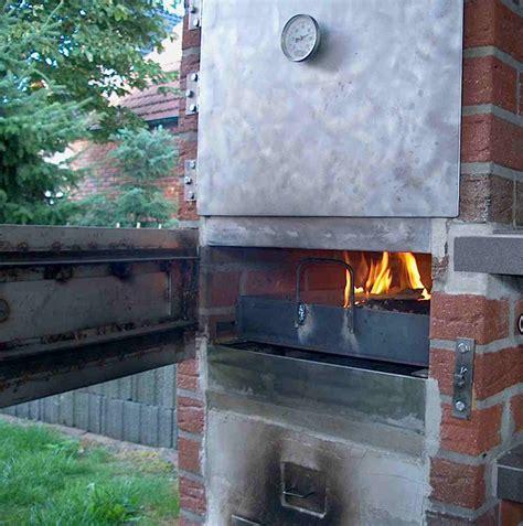 Eigenbaukombinierter Backräucherofen, Outdoor Küche