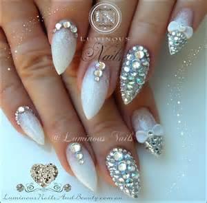 Luminous nails wedding bling