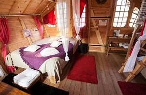 Sandaya Paris cabane Love intérieur Photo de Camping Sandaya International de Maisons Laffitte