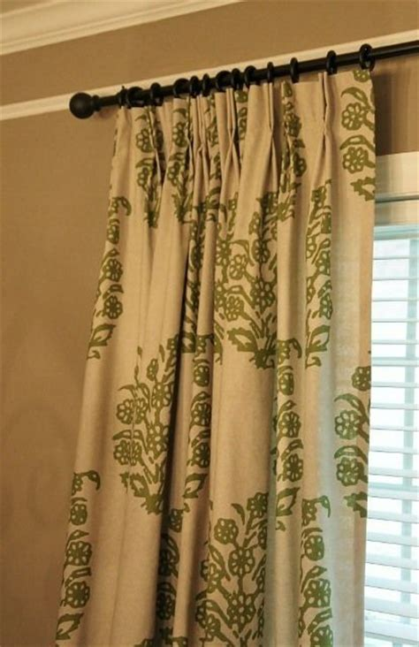 great tutorial on creating pinch pleat drapes from panel