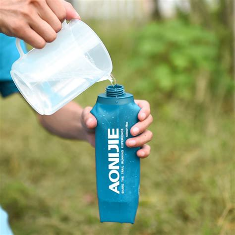aonijie folding water bottle  collapsible water