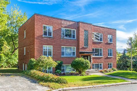 Ottawa Appartment by 23 Chapleau Ave District Realty