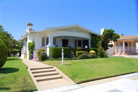 Hollywood Bungalow In Mission Hills For Sale