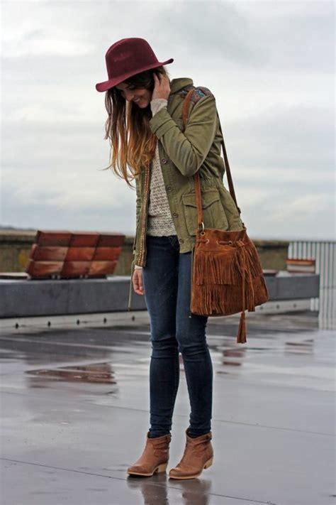 Outfits para llevar a la escuela en du00edas lluviosos