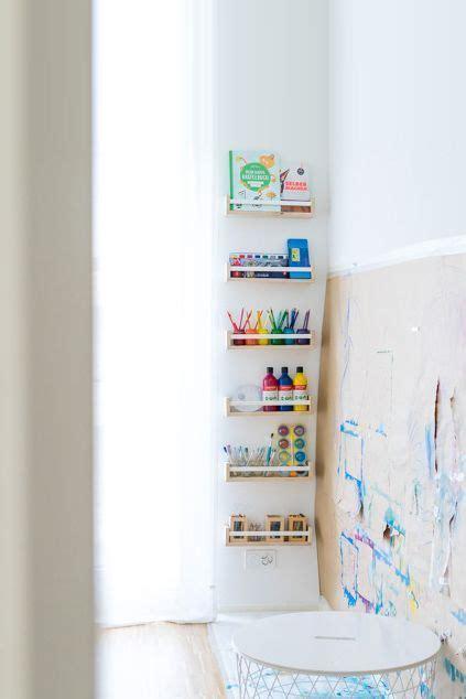 kreativecke und malwand fuer mehrere kinder malen im