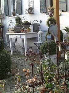 Eingangsbereich Außen Dekorieren : gartendeko herbstdekoration f r den garten nowaday garden ~ Buech-reservation.com Haus und Dekorationen