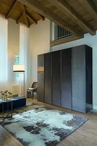 Stoffe Für Den Aussenbereich : kleiderschrank mit 2 holzt ren und 3 beschichtete stoffe idfdesign ~ Orissabook.com Haus und Dekorationen