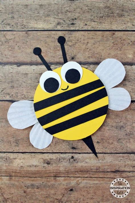 wooden craft bumble bees for 183 the inspiration edit 881   IMG 2013
