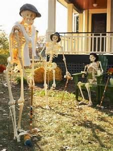 Halloween Skeleton Yard Decoration Ideas