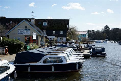 Sailing Boat Hire Southton by Sail Canal Cing