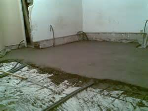 chape de beton et pose du carrelage sol