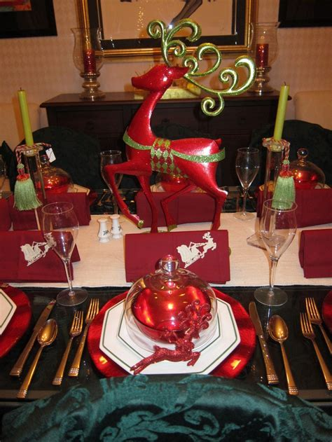 645 best images about Christmas Centerpieces & Tablescapes