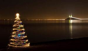 Battery Powered Video Lights Sparkler Christmas Tree At The Skyway Bridge 4 I Added