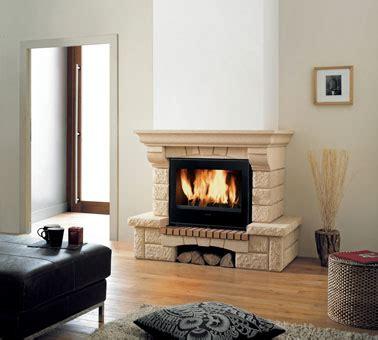 insert cheminée bois insert bois integre dans cheminee en deja existante dans le salon richard le droff