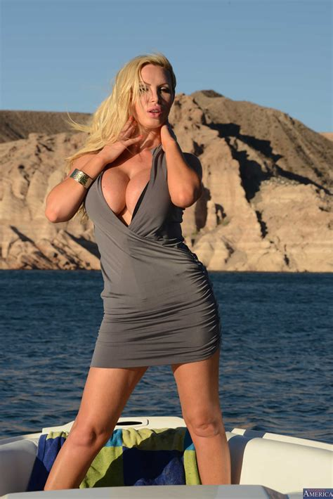 Sexy Woman Is Enjoying On The Beach Milf Fox
