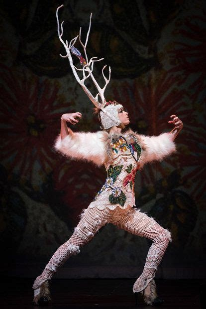 art  fashion collide  world  wearableart awards charity show   oregonlivecom