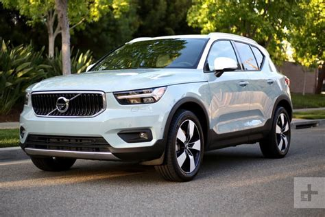 2018 Volvo Xc40 Review Digital Trends Make Your Own Beautiful  HD Wallpapers, Images Over 1000+ [ralydesign.ml]