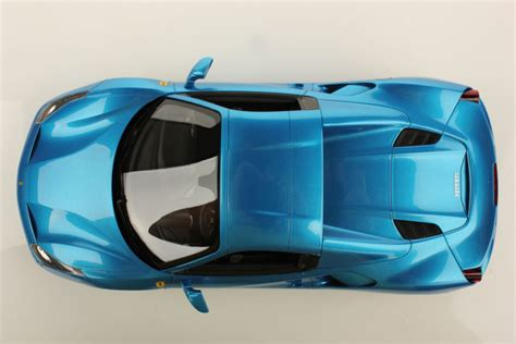 The new v8's soundtrack is seductively full and powerful even at low speeds and increases in volume. Ferrari 488 Spider Hard Top 1:18   MR Collection Models