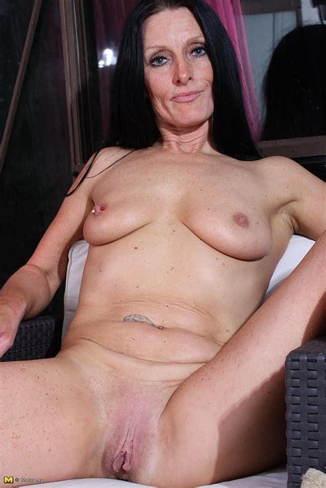 mature slut rub and caress her cherry photos romana e barbie stroker moms archive