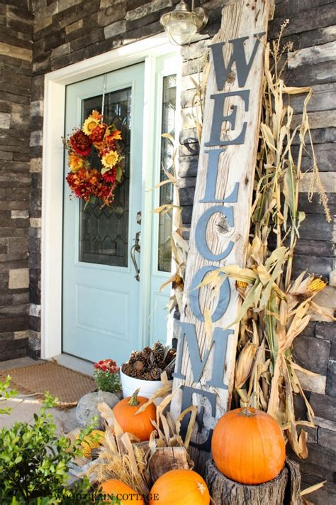 Fall Porch Displays by 27 Best Fall Porch Decorating Ideas And Designs For 2019