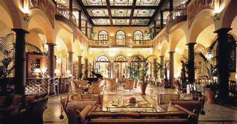 luxurious accommodations  tuscany italia living