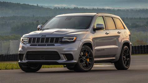 trackhawk jeep cherokee 2018 jeep grand cherokee trackhawk first drive hellcat