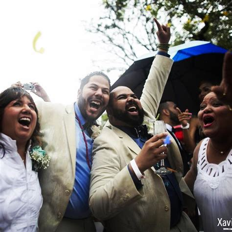 60 Couples Tie The Knot In Mass Gay Wedding In Puerto Rico