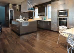 Hardwood Floor On Concrete Basement by Piso Para Cozinha Casadecorada