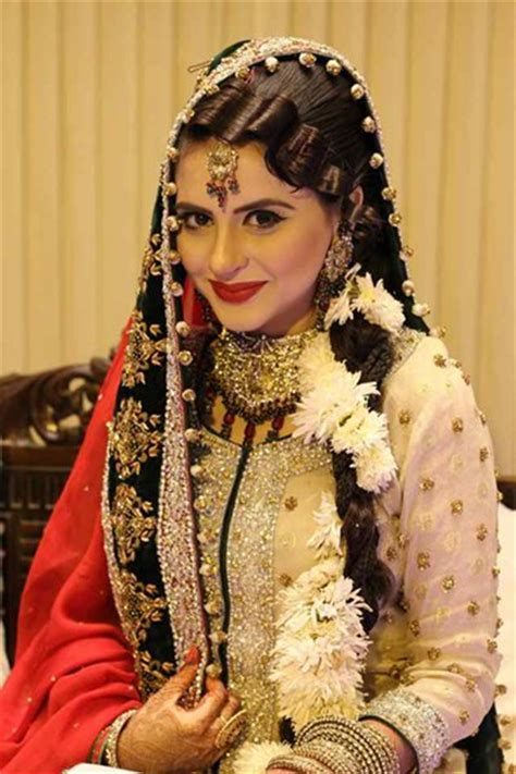 Which Pakistani TV Actress Looks Beautiful On Her Wedding day?