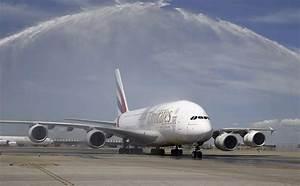 Emirates breaks the world's longest non-stop scheduled ...