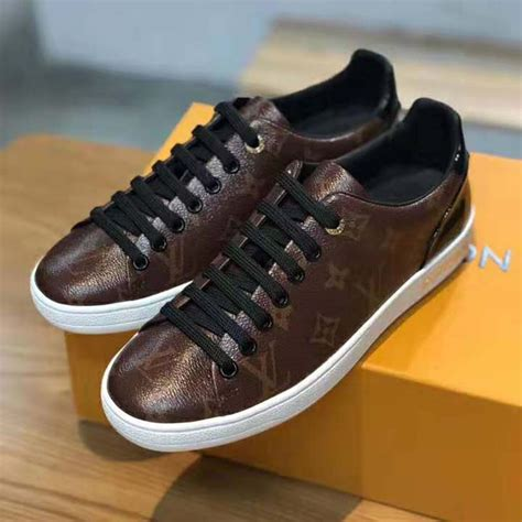 louis vuitton lv women frontrow sneaker  patent monogram canvas brown lulux