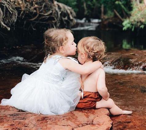 Cría niños amables y bondadosos con la