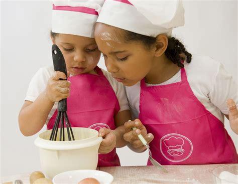 la cuisine est un jeu d enfant atelier cuisine un moment de plaisir pour les enfants