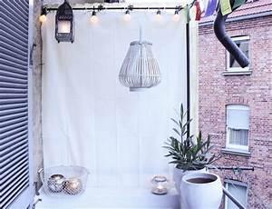 Balkon Sichtschutz Diy : balkon vorhang sichtschutz blumen pflanzen topf korb kugeln diy girlande laterne ~ Whattoseeinmadrid.com Haus und Dekorationen