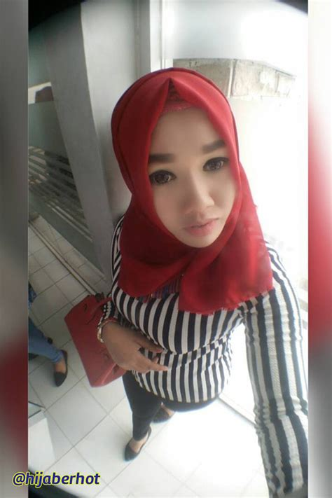 10 Foto Hot Hijaber Indonesia Jilboobs Populer