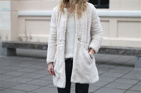 outfit fluffy jas follow fashion