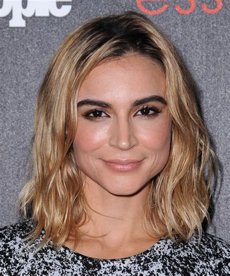 Samaire Armstrong Hairstyles for 2018   Celebrity