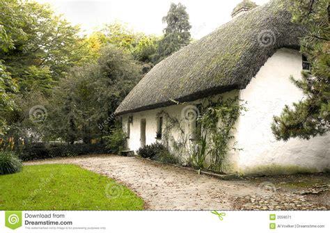 Cottage Irlandesi Cottage Irlandese Immagine Stock Immagine 2059071