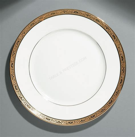 assiette de présentation vaisselle raynaud assiette de presentation ambassador or