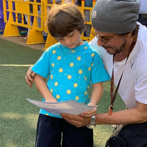 Gauri khan shares a picture of an 'all grown up' abram khan reading karan johar's book, all by himself. AbRam Khan: 10 Times Shah Rukh Khan's youngest son broke the internet with his cuteness, Check ...