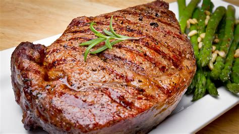 Sirloin meat (= 1 steak) 1 tablespoon of salt 1 tablespoon of peppe. Marinated Rib Eye Steaks