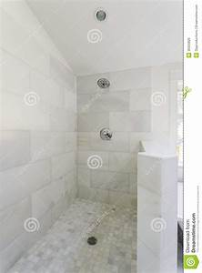 Marble bathroom tiles pros and cons marble floor tiles for Marble bathroom tiles pros and cons