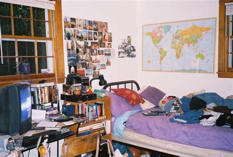 je range ma chambre voilà ma chambre