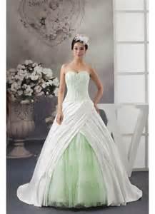 chagne color bridesmaid dress wedding dress colors