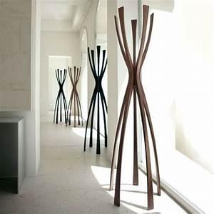 Kleiderständer Aus Holz : designer kleiderstander buchenholz ~ Michelbontemps.com Haus und Dekorationen